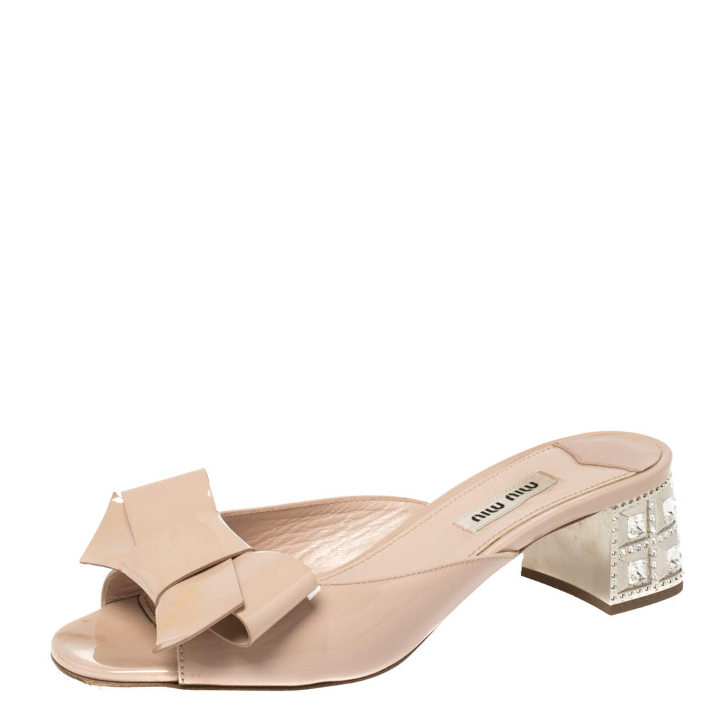 Miu Miu Beige Patent Leather Bow Slide Sandals Size 37