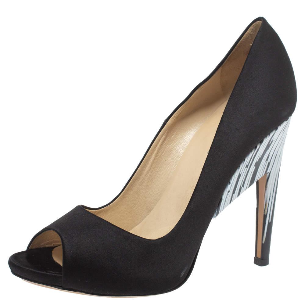حذاء كعب عالي نيكولاس كيركوود مقدمة مفتوحة ساتان أبيض/ أسود مقاس 39