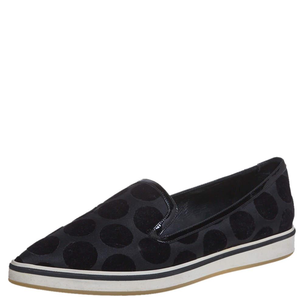 حذاء نيكولاس كيركوود مقدمة مدببة جلد لامع وقطيفة أسود مقاس 36