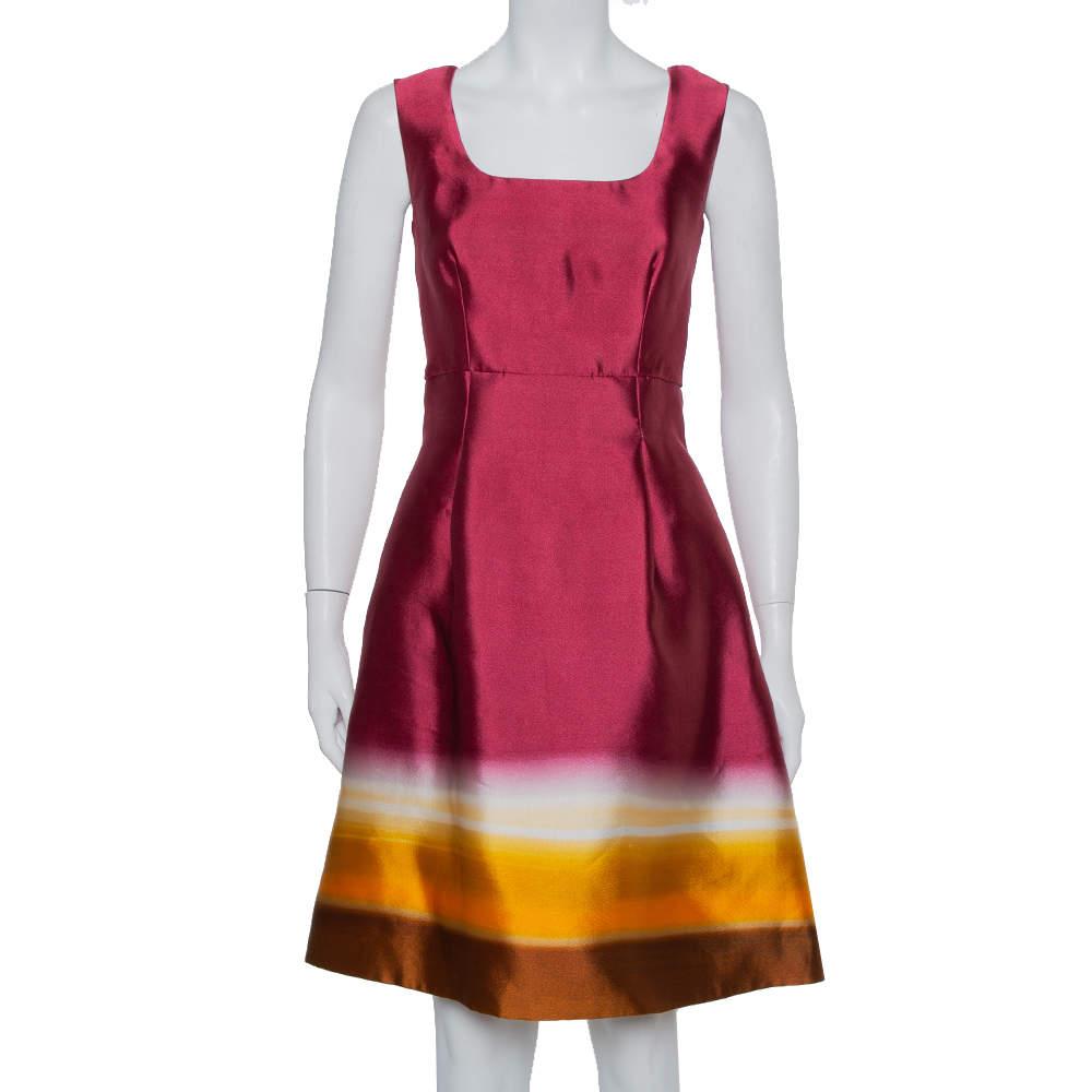 فستان برادا متوسط الطول بلا أكمام حرير اومبر عنابي مقاس وسط (ميديوم)