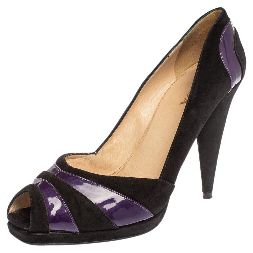 حذاء كعب عالي برادا مقدمة مفتوحة جلد لامع و سويدي بنفسجي و أسود مقاس 40.5