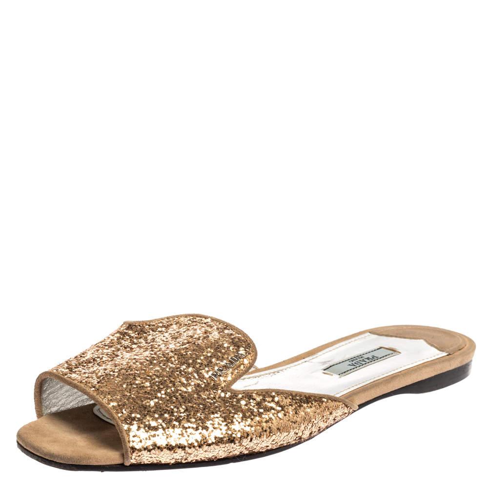 حذاء سلايدز برادا فلات غليتر ذهبي مقاس 39