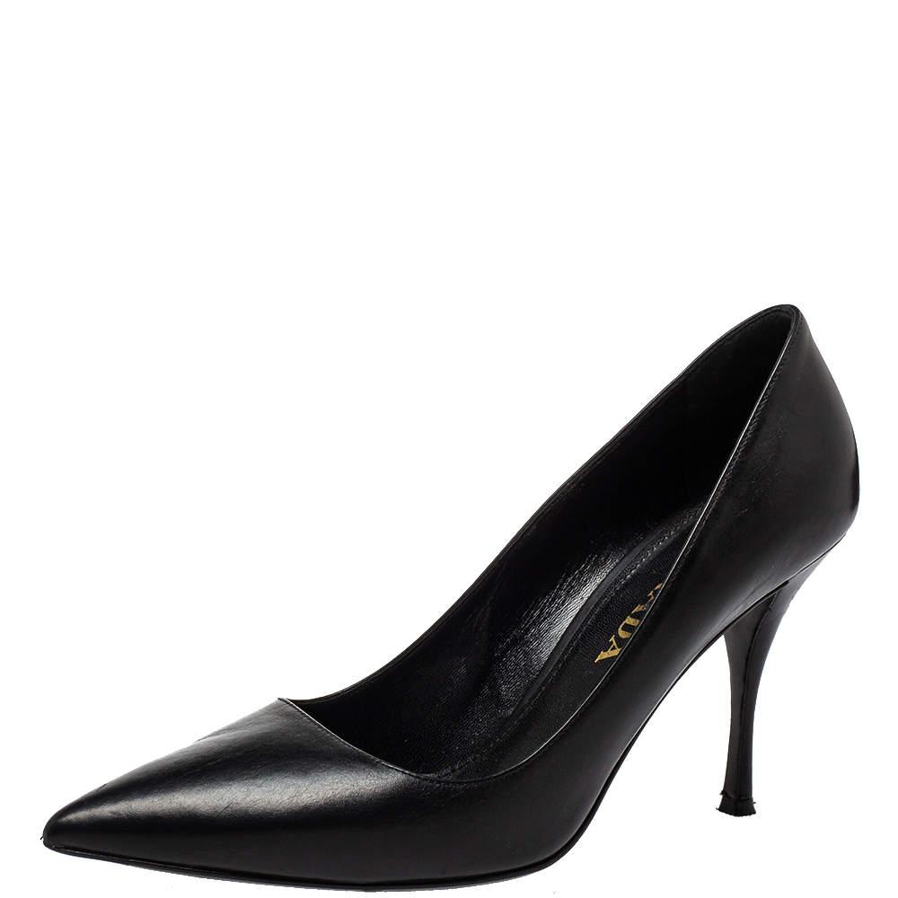 حذاء كعب عالي برادا جلد أسود مقدمة مدببة مقاس 38