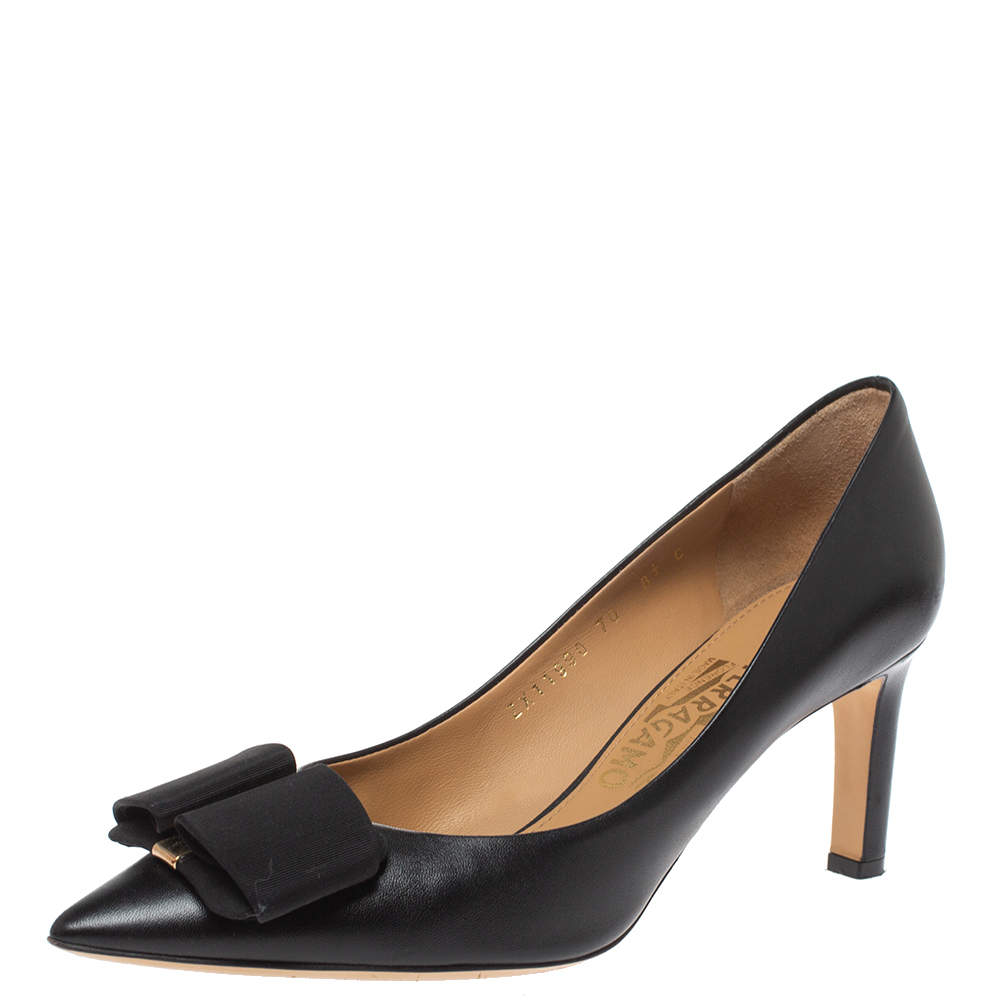 Salvatore Ferragamo Black Leather Bow Pointed Toe Pumps Size 39