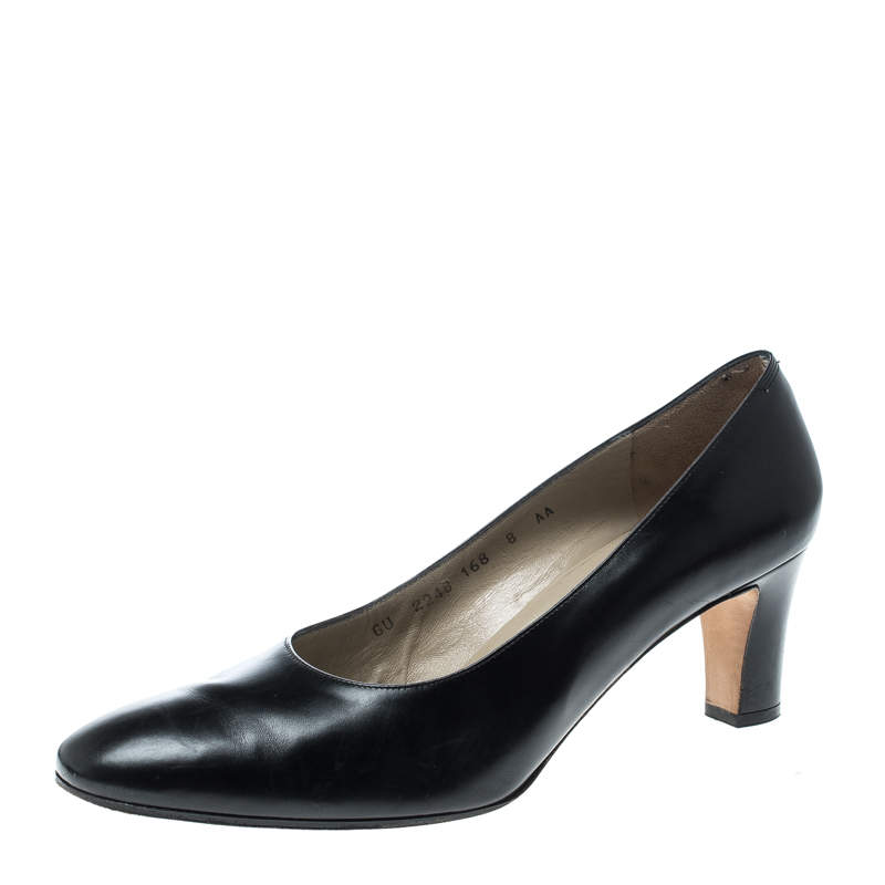 Salvatore Ferragamo Black Leather Pumps Size 38.5