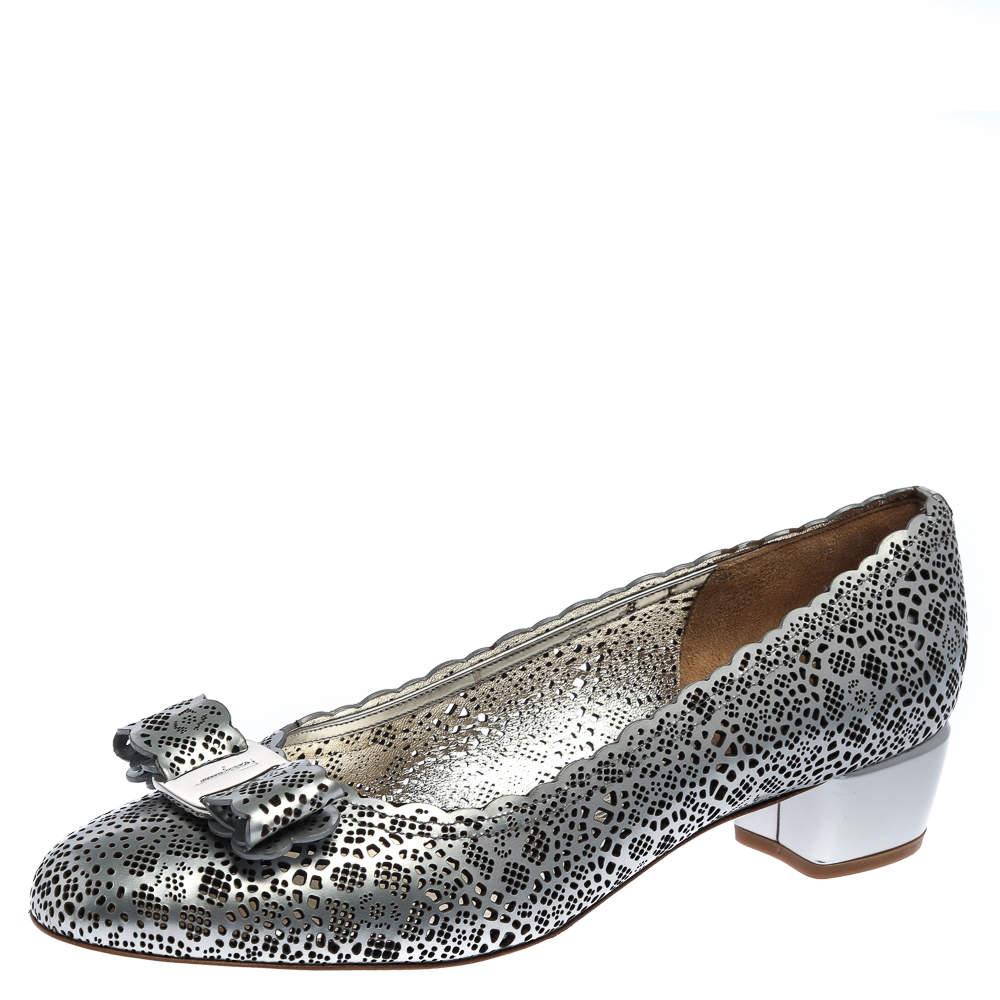 Salvatore Ferragamo Metallic Grey Perforated Leather Varina Bow Ballet Flats Size 38.5