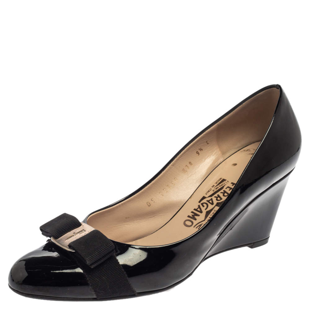 Salvatore Ferragamo Black Patent Leather Flo Vara Bow Wedge Pumps Size 40
