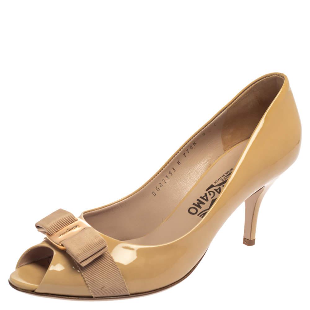 Salvatore Ferragamo Beige Patent Leather Ribes Vara Bow Peep Toe Pumps Size 39.5
