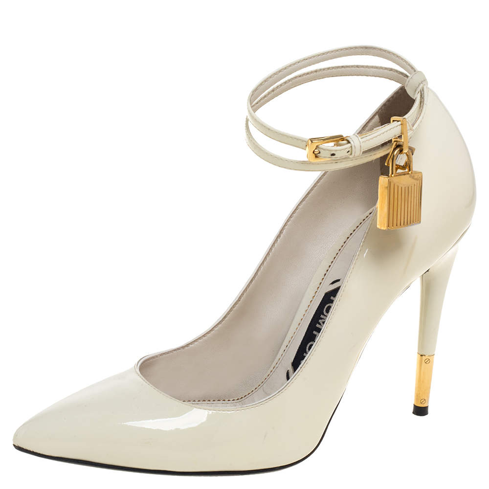 Tom Ford Cream Patent Leather Padlock Ankle Wrap Pointed Toe Pumps Size 38.5