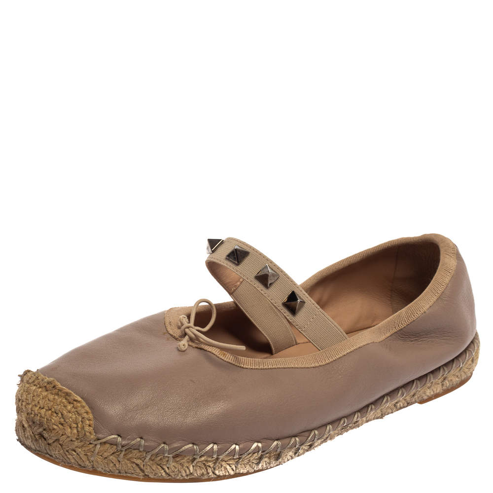 حذاء إٍسبادريل فلات فالنتينو جلد بيج روكستد مقاس 36