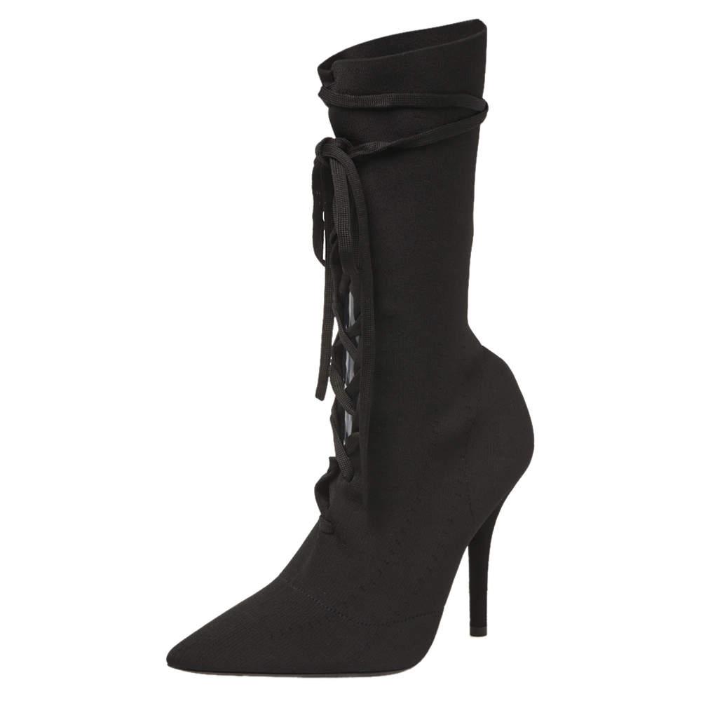 حذاء بوت ييزى أربطة جورب تريكو أسود مقاس 36.5