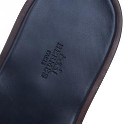 صندل هيرمس إزمير جلد تمساح أزرق داكن مقاس 43.5