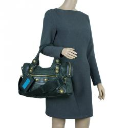 Buy Pre-Loved Authentic Balenciaga Shoulder Bags for Women Online   TLC 243e026211