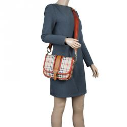 f203e42be76 Buy Pre-Loved Authentic Burberry Shoulder Bags for Women Online | TLC