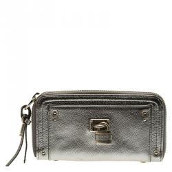 Buy Pre-Loved Authentic Chloe Wallets for Women Online  59440ed596