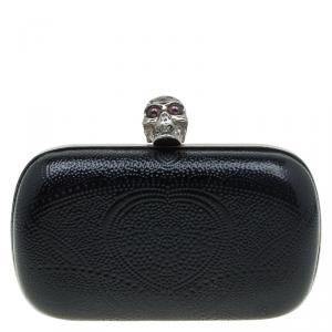 حقيبة كلاتش أليكساندر ماكوين صندوق جمجمة نقش منقط جلد لامعة سوداء