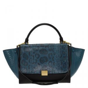 حقيبة سيلين ترابيز جلد ثعبان أزرق/أسود متوسطة