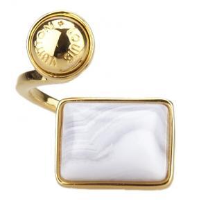 خاتم لوي فيتون أحجار لون ذهبي مقاس 54