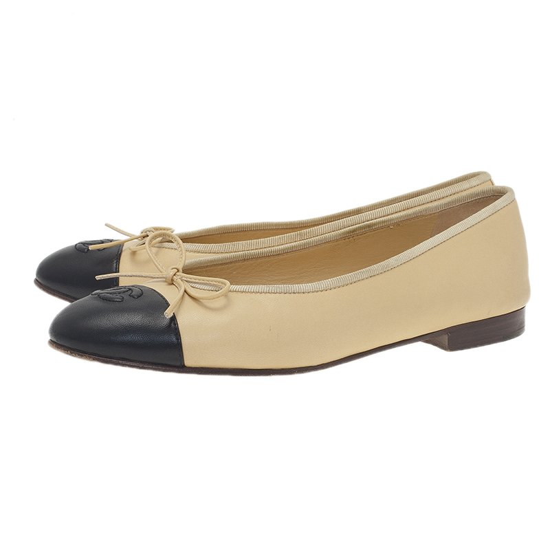 Chanel Beige Leather CC Ballet Flats Size 39