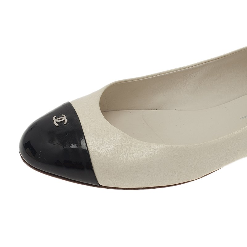 Chanel Two Tone Leather CC Logo Cap Toe Ballet Flats Size 38