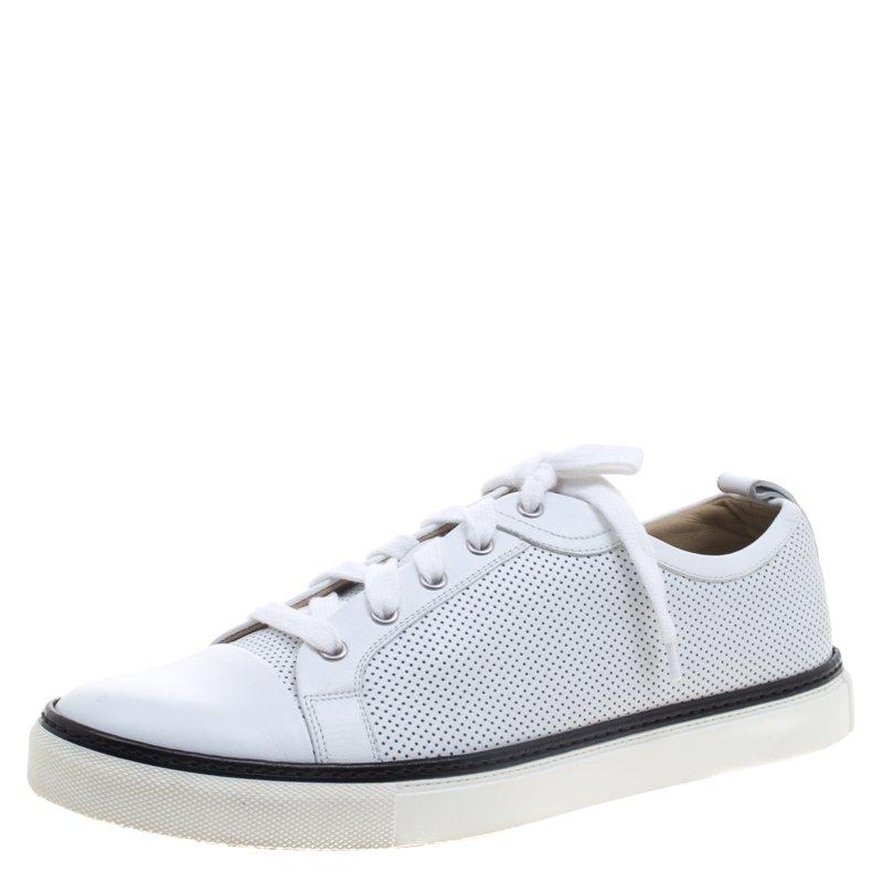 حذاء رياضي هيرمس جلد أبيض مثقب برباط مقاس 43.5