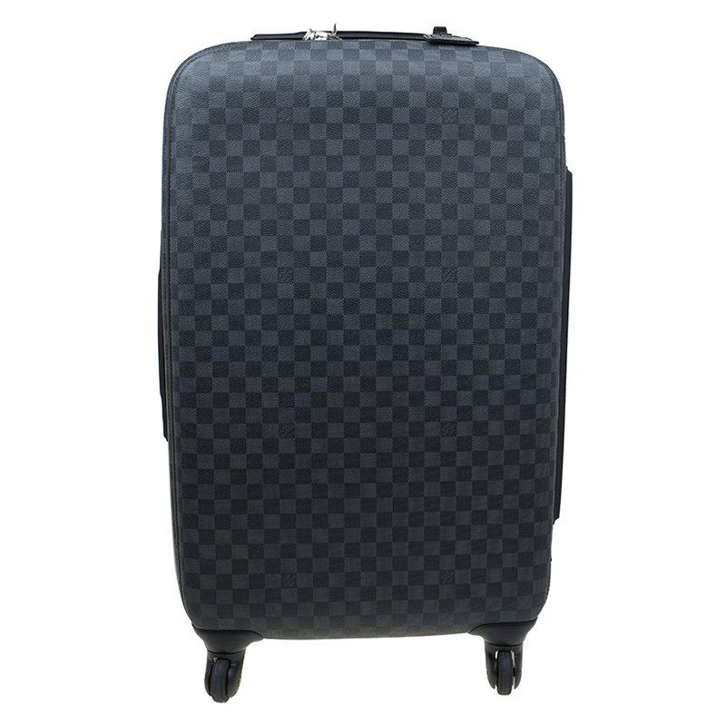 b85c5410c3e29 إشتري حقيبة سفر لوي فيتون زيفير 70 بعجلات كانفاس دامييه غرافيت رصاصي ...