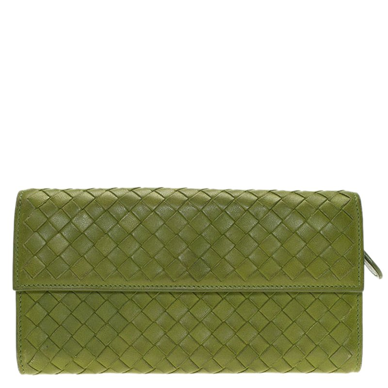 b9fefe0d9d ... Bottega Veneta Green Intrecciato Leather Continental Wallet. nextprev.  prevnext