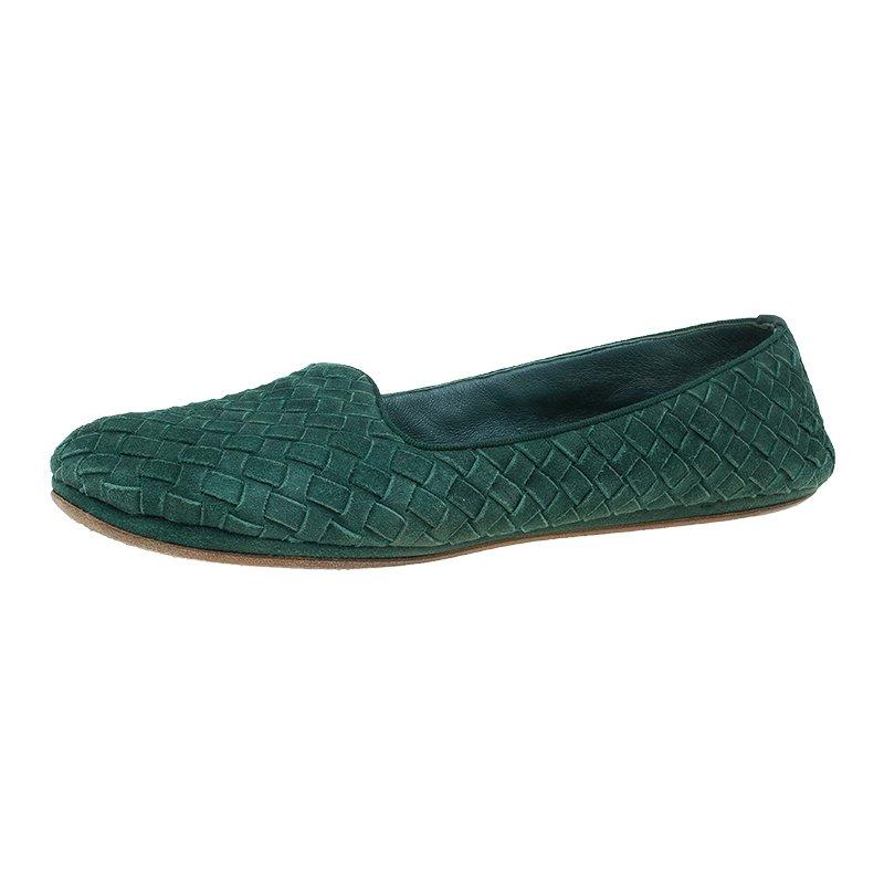 270055d3eaf8 ... Bottega Veneta Green Intrecciato Suede Carpet Slippers Size 39.5.  nextprev. prevnext