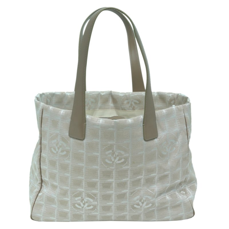 5df729d81b31 Buy Chanel Grey/Silver Nylon Travel Line Tote 59802 at best price | TLC