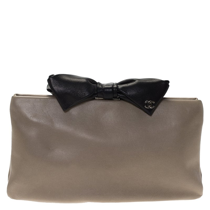 6a76b6ceed5b Buy Chanel Beige/Black Leather Bow Clutch 74118 at best price | TLC