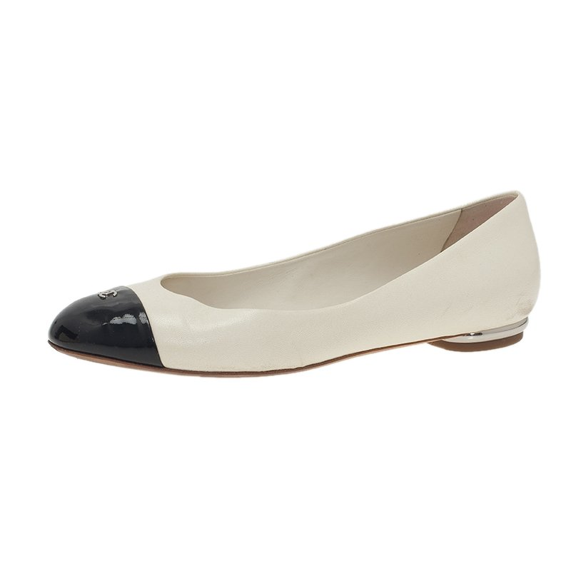 c75826542 Buy Chanel Two Tone Leather CC Logo Cap Toe Ballet Flats Size 38 43560 at  best price | TLC