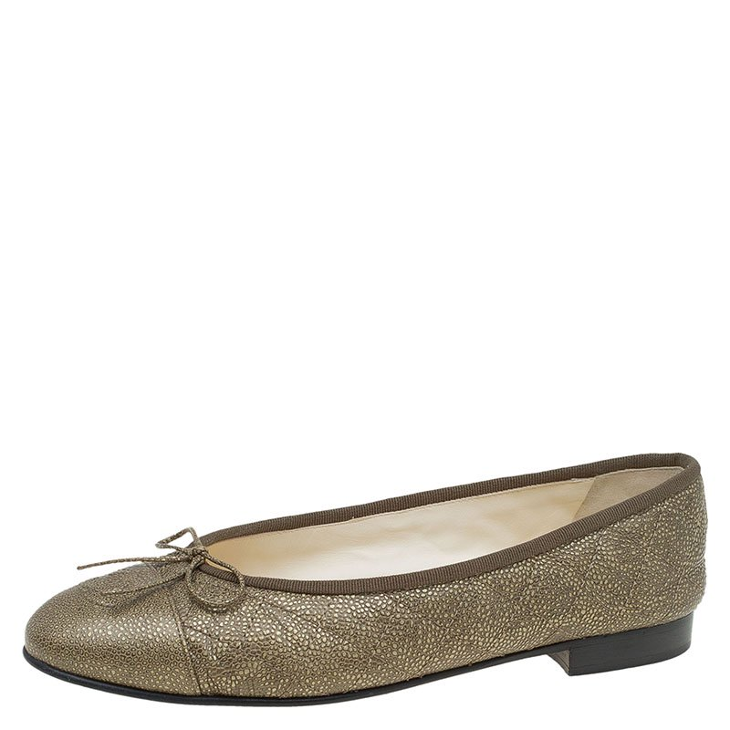 94fad161cad ... Chanel Green Quilted Leather CC Cap Toe Ballet Flats Size 38. nextprev.  prevnext