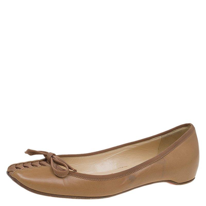 on sale 0af0f cd1b4 Christian Louboutin Beige Leather Ballet Flats Size 35.5