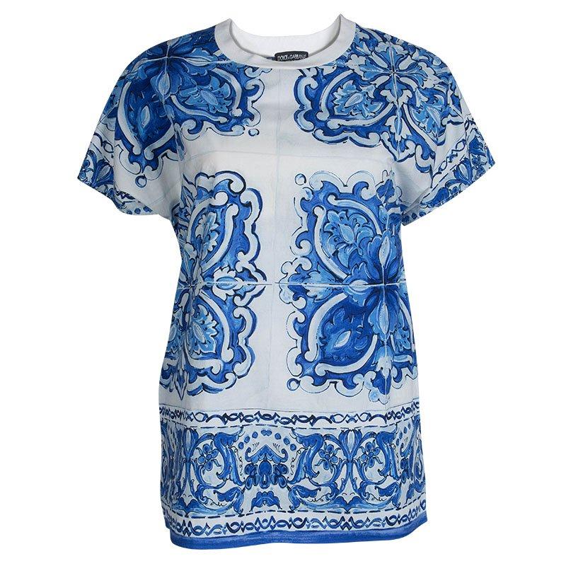 6984443a ... Dolce & Gabbana White and Blue Cotton Majolica Print Top S. nextprev.  prevnext