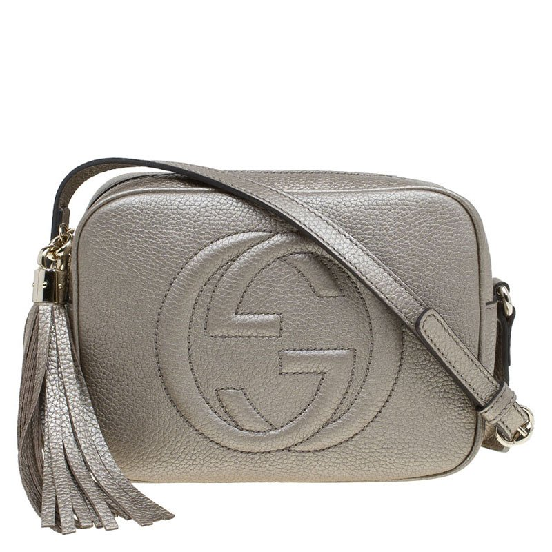 b4d3bd0bbfbf ... Gucci Metallic Beige Leather Soho Disco Crossbody Bag. nextprev.  prevnext