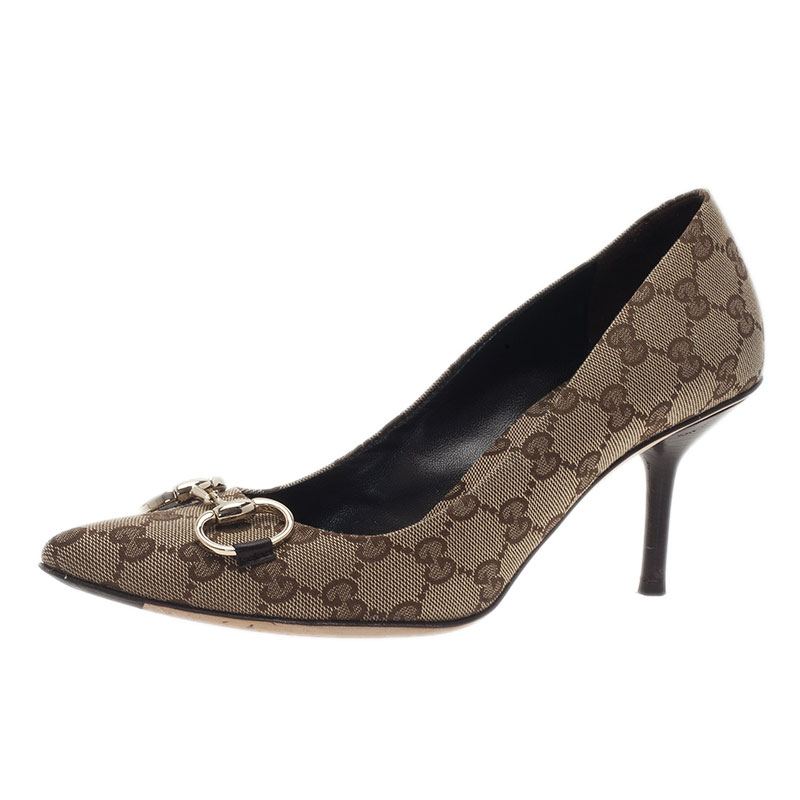 239f86bc4693a Gucci Beige Monogram Canvas Pointed Pumps Size 40
