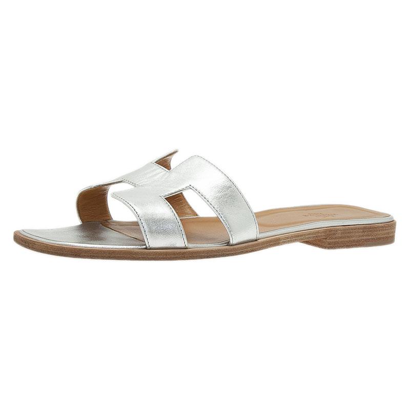 c6db64f7b Buy Hermes Metallic Silver Leather Oran Flat Sandals Size 40.5 44344 ...