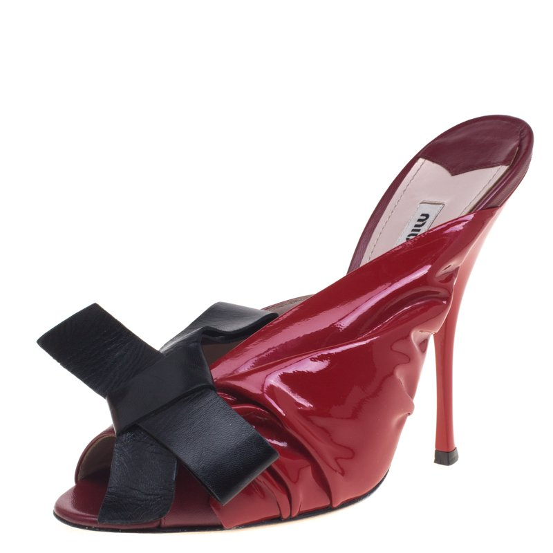 3b202c84d959 ... Miu Miu Red And Black Ruched Patent Leather Bow Embellished Mules Size  40. nextprev. prevnext