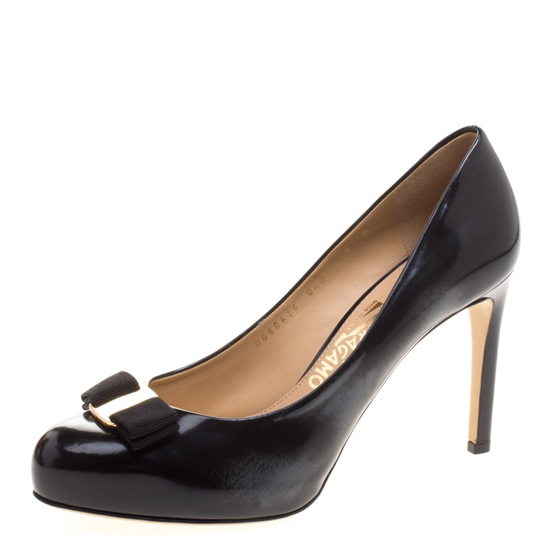 6e60e570e85 ... Salvatore Ferragamo Black Patent Pimpa Vara Bow Pumps Size 39.5.  nextprev. prevnext