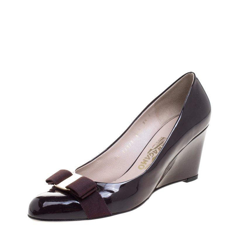 c353f34fc32e ... Salvatore Ferragamo Mulberry Purple Patent Leather Flo Vara Bow Wedge  Pumps Size 40. nextprev. prevnext