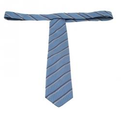 ربطة عنق غوتشي حرير بنقوش جاكارد خطوط مائلة رصاصية وزرقاء