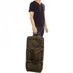 ef3e00fa09203 حقيبة تومي ألفا برافو تروللي نايلون أخضر قابلة للمد