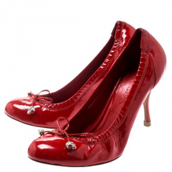 Alexander McQueen Red Patent Leather Bow Detail Scrunch Pumps Size 36