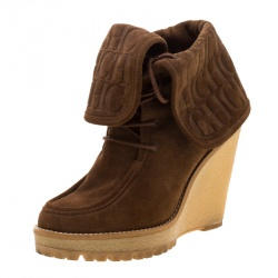 7d24610b87cf1 Buy Pre-Loved Authentic Carolina Herrera Boots for Women Online | TLC
