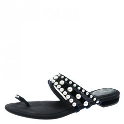 931936289 Chanel Navy Blue Velvet Faux Pearl Embellished Flat Strappy Slides Size 38.5