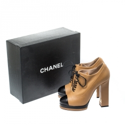 Chanel Brown/Black Leather CC Cap Toe Lace Up Oxford Booties Size 38.5