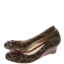 Fendi Burgundy Patent Leather and Tobacco Zucca Canvas Logo Plate Wedge Pumps Size 37