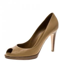 0f5bcb5b61f5 Buy Gucci Metallic Bronze Leather Bamboo Bow Peep Toe Pumps Size 37 ...