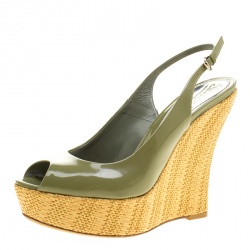 67c9d472426 Gucci Green Patent Leather Strafish Raffia Wedge Slingback Platform Sandals  Size 39