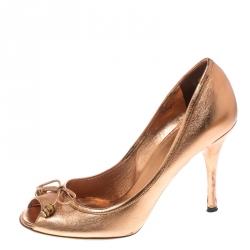 c19053e9c951 Gucci Metallic Bronze Leather Bamboo Bow Peep Toe Pumps Size 37